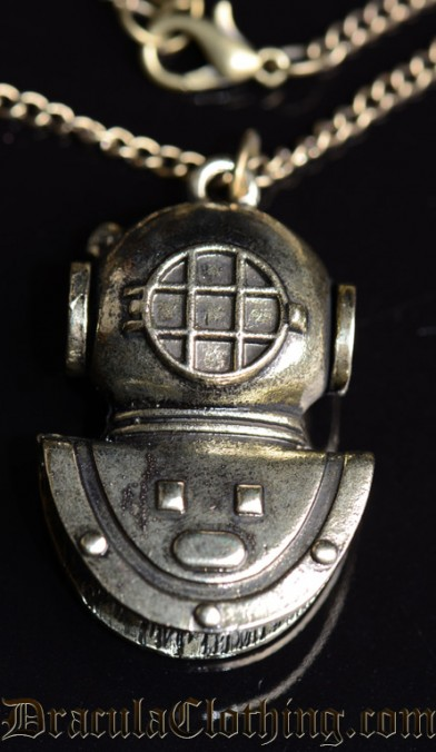 Steampunk Diving Helmet Necklace